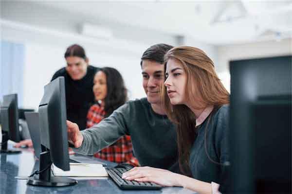 唐嫣、周冬雨钟爱的发型,4步学做时尚精!