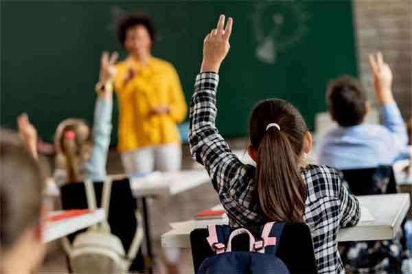 黄毅清回应薛之谦 薛之谦辟谣到警局验毒 薛之谦吸过毒吗?