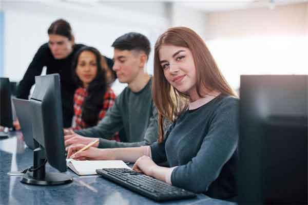 关之琳结婚了吗为什么没有孩子?关之琳身家曝光4亿财产疑留给弟弟