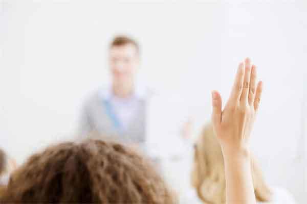 知否盛老太太为什么要收养明兰 老太太才是城府最深的人