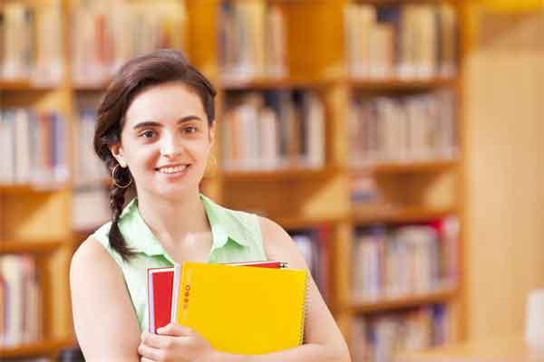别人家的校长!山西西关小学时髦校长带学生跳鬼步舞火了