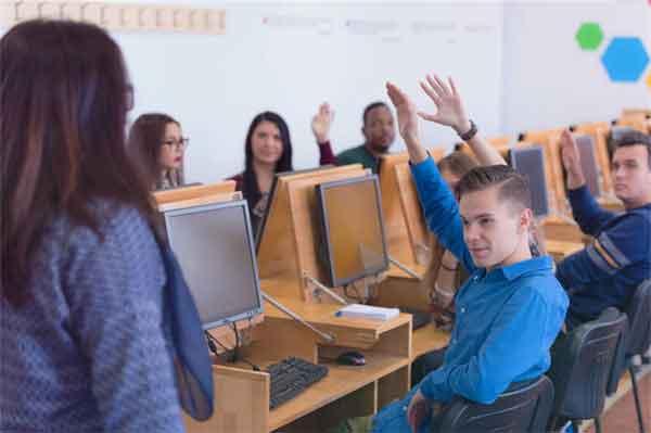张萱在担任宫廷画师期间发生过什么故事