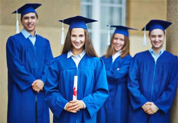 曹操为什么重金从匈奴赎回大才女蔡文姬?