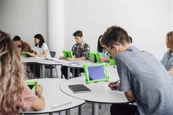 他既不是太子排名老三 为何却能当上皇帝