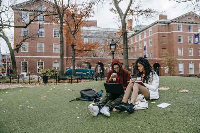 汉文帝男宠邓通是讨好汉文帝成为古代富豪吗