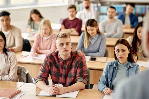 唐朝皇帝另一面:唐玄宗打马球率四人力克吐蕃十人