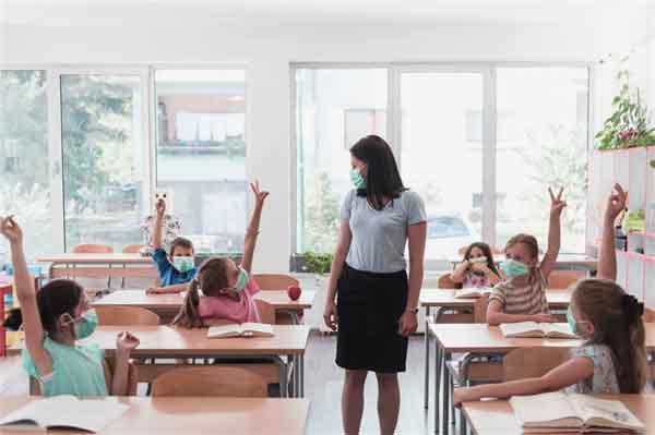 李亚鹏恋情被曝光新闻介绍?李亚鹏新女友是谁?