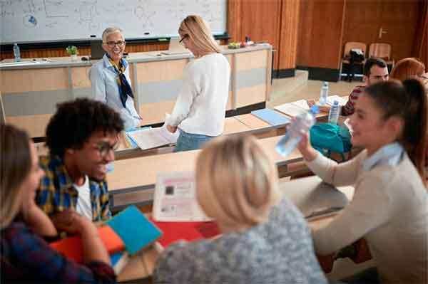 江一燕电影 恋爱中的城市北海道蜜月接受恋情