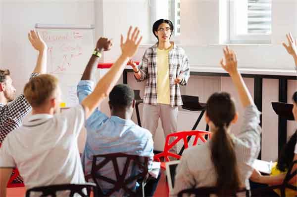 房贷利率上调购房如何