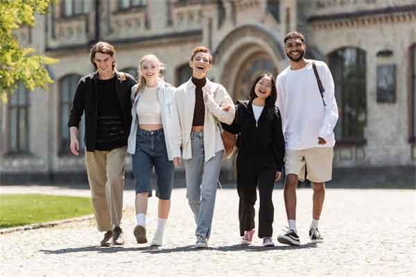王源南京告别演唱会怎么买票?王源南京告别演唱会时间节目单